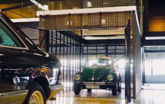 VW dans la file d'attente de l'ascenseur